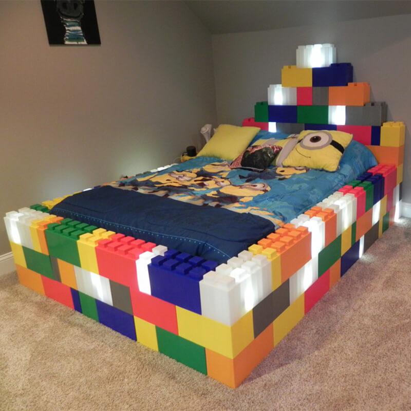 Krevet s LED rasvjetom